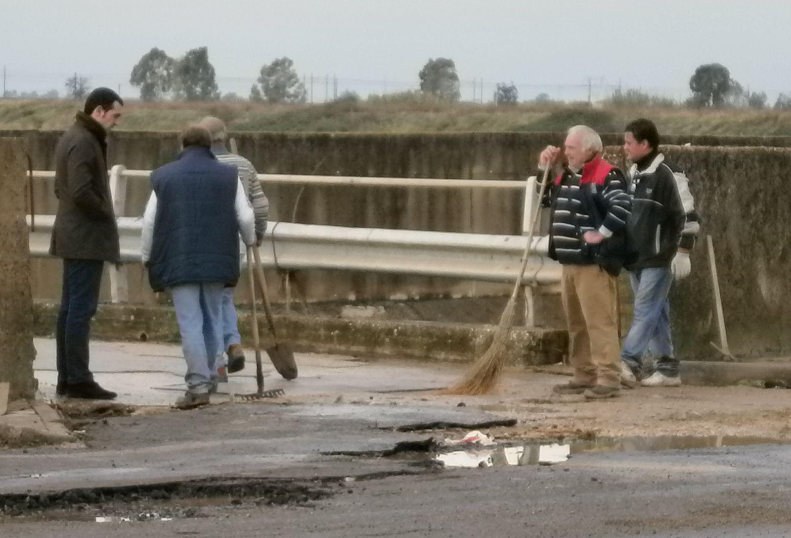 Villa Literno - Sindaco verifica danni via Santa Maria a Cubito