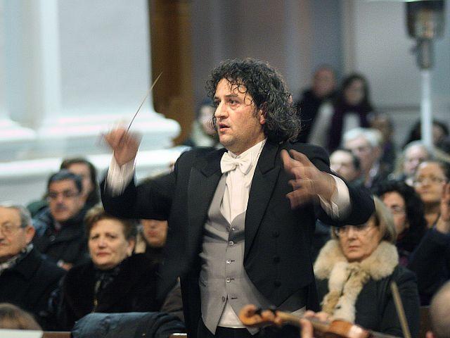 DAMIANO, Maestro di musica e direttore d'orchestra dell'Accademia musicale Arturo Toscanini di San Nicola La Strada
