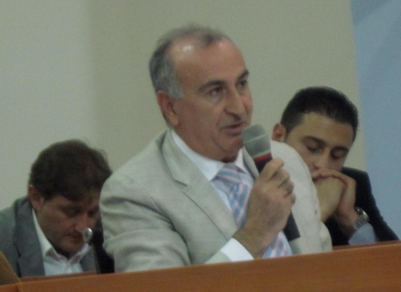 Vito Gravante fra i consiglieri Conte e Massaro