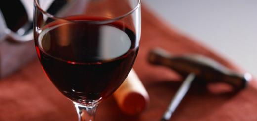 Bicchiere-di-vino-Casavecchia