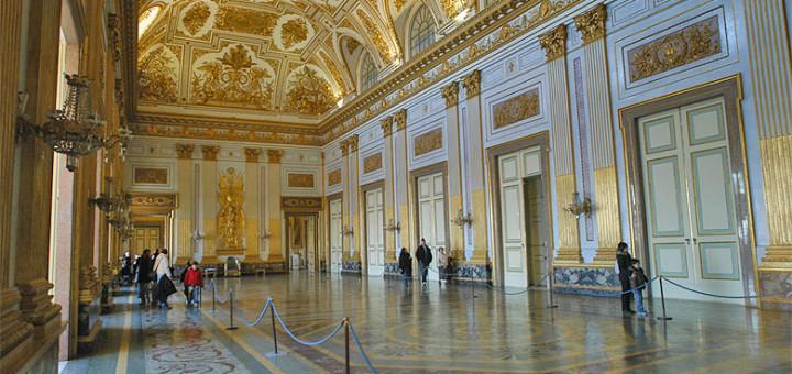 2_Palazzo_Reale_-_Reggia_di_Caserta_0