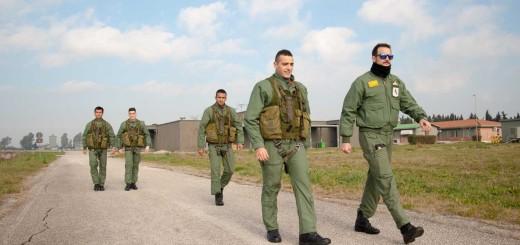 Alcuni allievi dello Sparviero V pronti per la missione