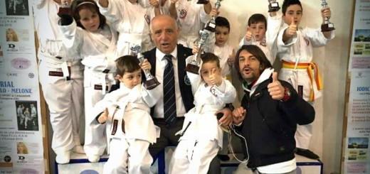 ASD MUSOKAN DI TEANO, A DX IL MAESTRO SALVATORE BALDINI