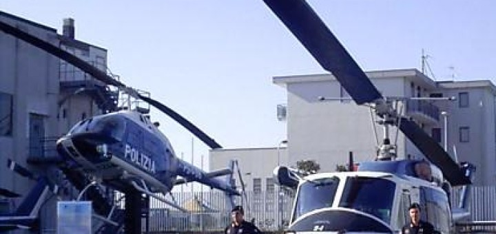 elicotteri-della-polizia-di-stato-a-capodichino