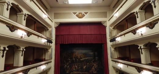 CAPUA Lo splendido interno del Teatro RICCIARDI