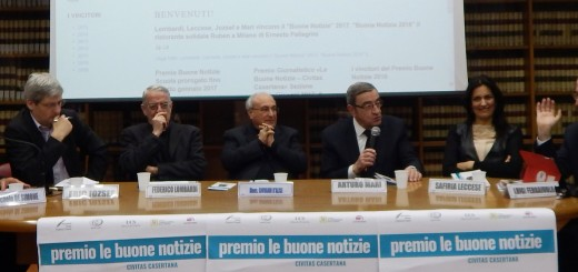 CASERTA Il vescovo D'Alise e Padre Lombardi coi giornalisti ospiti della 9^ Ediz del Premio BUONE NOTIZIE