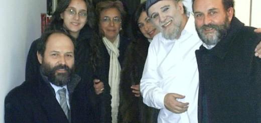 Moni Ovadia con alcuni fans casertani nel 2004