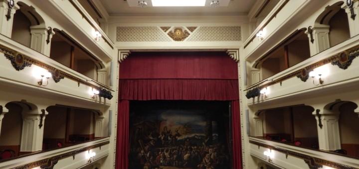CAPUA Lo splendido interno del Teatro RICCIARDI (1)