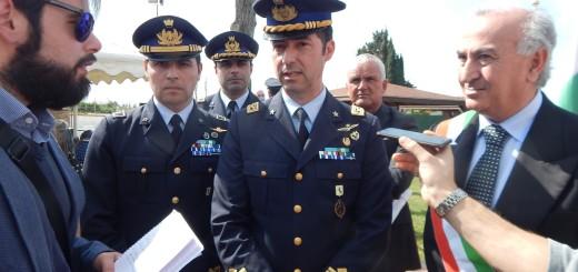 GRAZZANISE Il comandante del 9° Stormo, Di Palma, e il sindaco Gravante durante l'incontro coi giornalisti