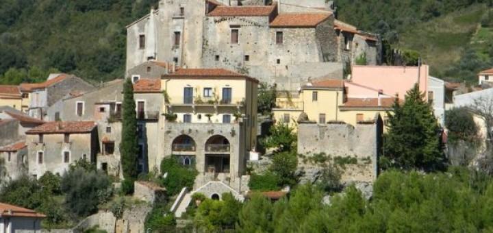 a Castello baronale di Torraca (1)