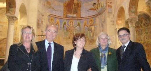 CAPUA Il console Annamaria Troili con esponenti nazionali del Tci in visita alla Basilica nel luglio 2007