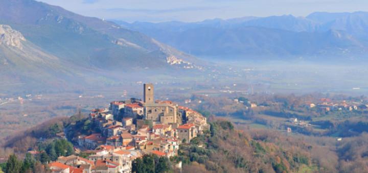 borgo-tora-e-piccilli