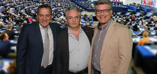 Il sindaco di Torre Annunziata Vincenzo Ascione con l'agronomo Ettore Guerrera e il professore Vincenzo Peretti