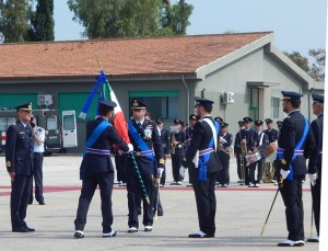 GRAZZANISE Il solenne momento del passaggio della storica Bandiera del 9° Stormo 'F.Baracca'
