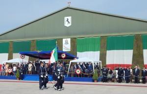 GRAZZANISE Sfila la gloriosa Bandiera del 9° Stormo 'F.Baracca' davanti alla Tribuna d'Onore