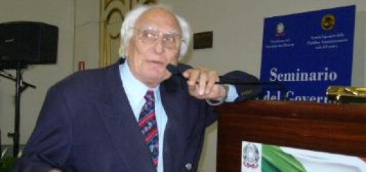 CASERTA - CONCLAVE GENNAIO 2007 - Pannella in preconferenza-stampa improvvisata