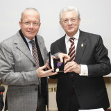 13012019 caserta il presidente dei lions caserta host alberto zaza d'aulisio riceve il senior master key  foto ag. frattari