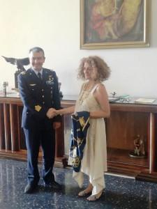 La direttrice Tiziana Maffei con il Col. Nicola Gigante