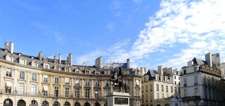 Parigi place des Victoires