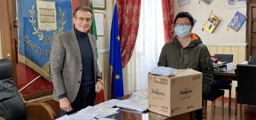 mascherina donate al sindaco Ambrosca